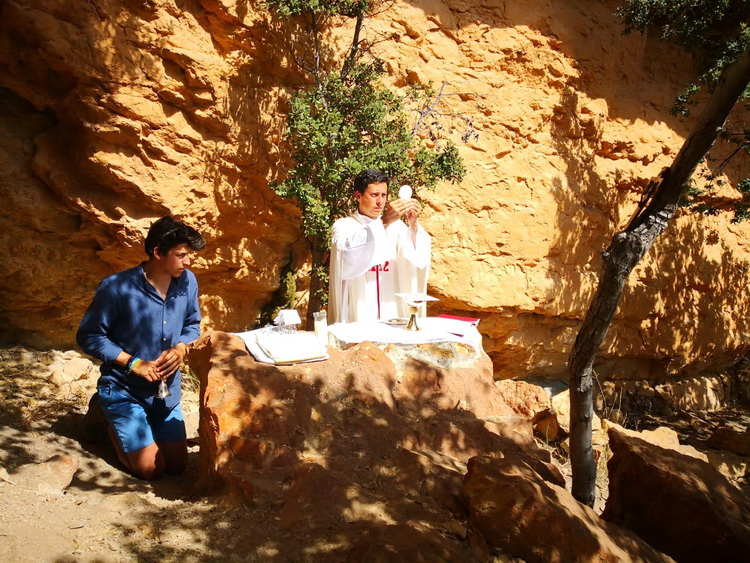 - Mass in the Ribalera, where Saint Josemaría celebrated the last mass before moving to Andorra